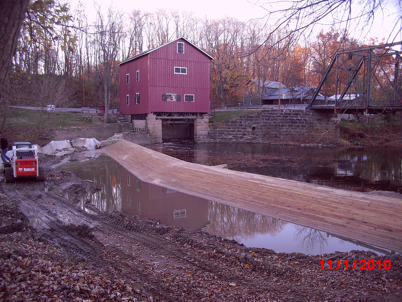 /img/Indian Mill Upper Sandusky Waterfall Construction 11.JPG