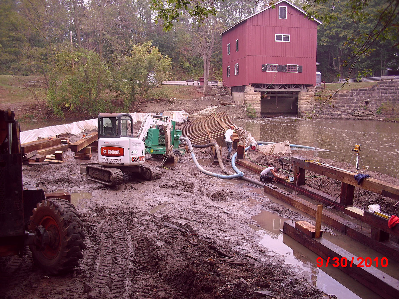 /img/Indian Mill Upper Sandusky Waterfall Construction 17.JPG