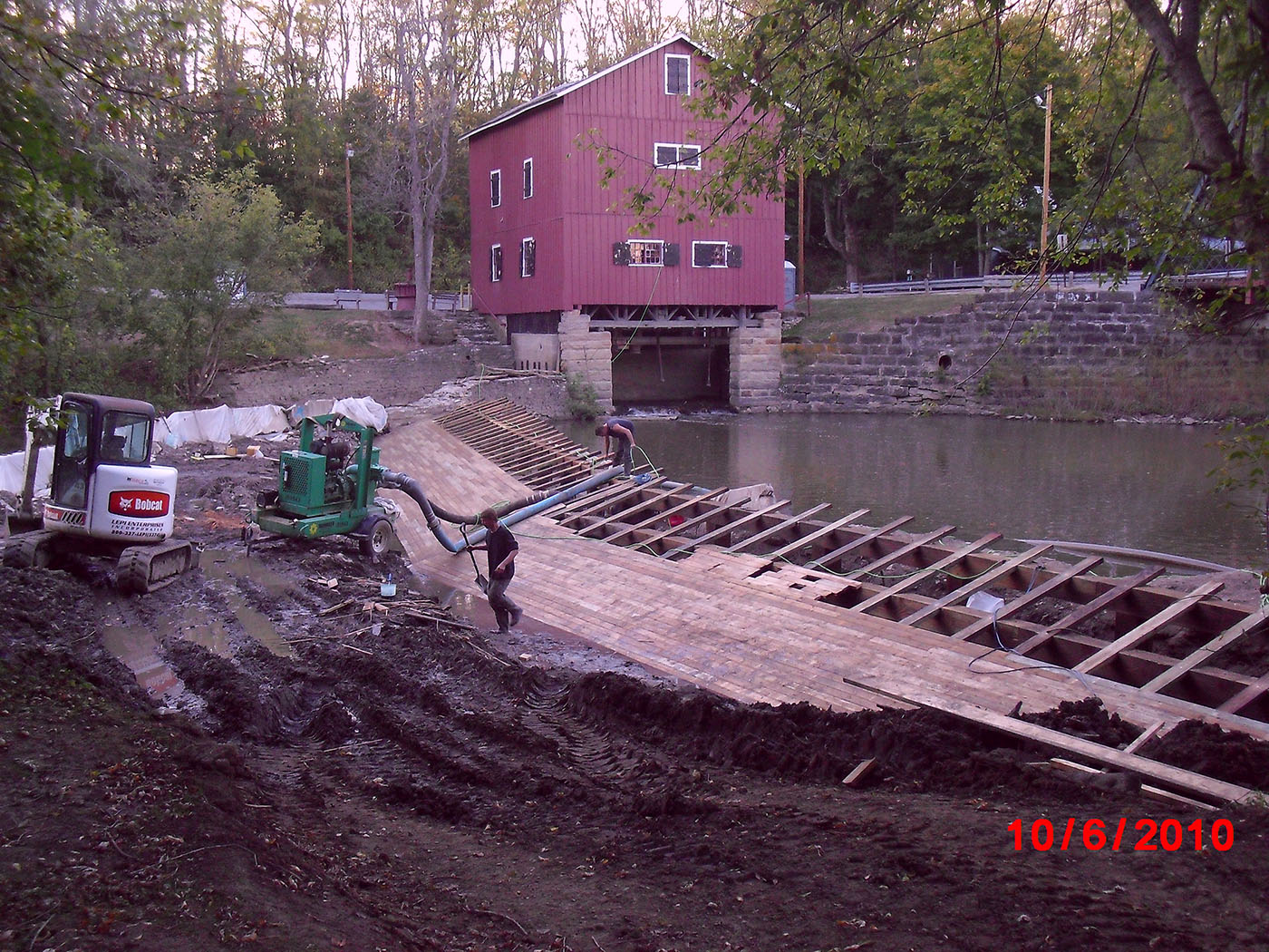 /img/Indian Mill Upper Sandusky Waterfall Construction 28.JPG